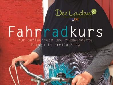 Frauen fahren Fahrrad