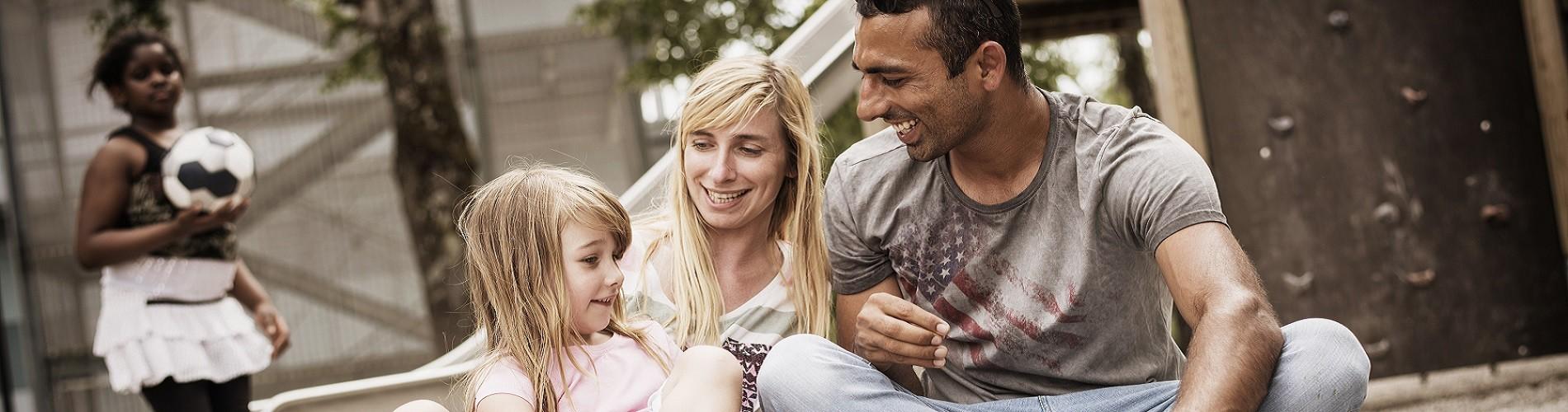 Ali mit Frau und Mädchen