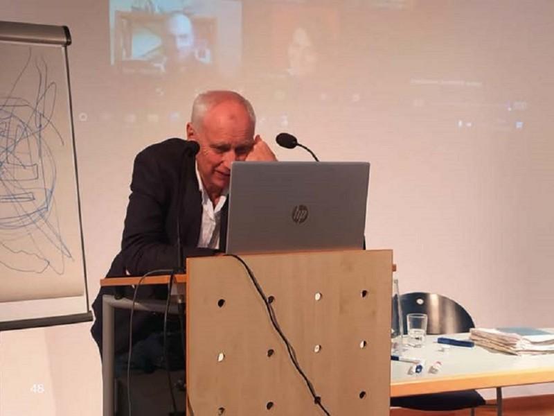 Professor Wolfgang Hinte